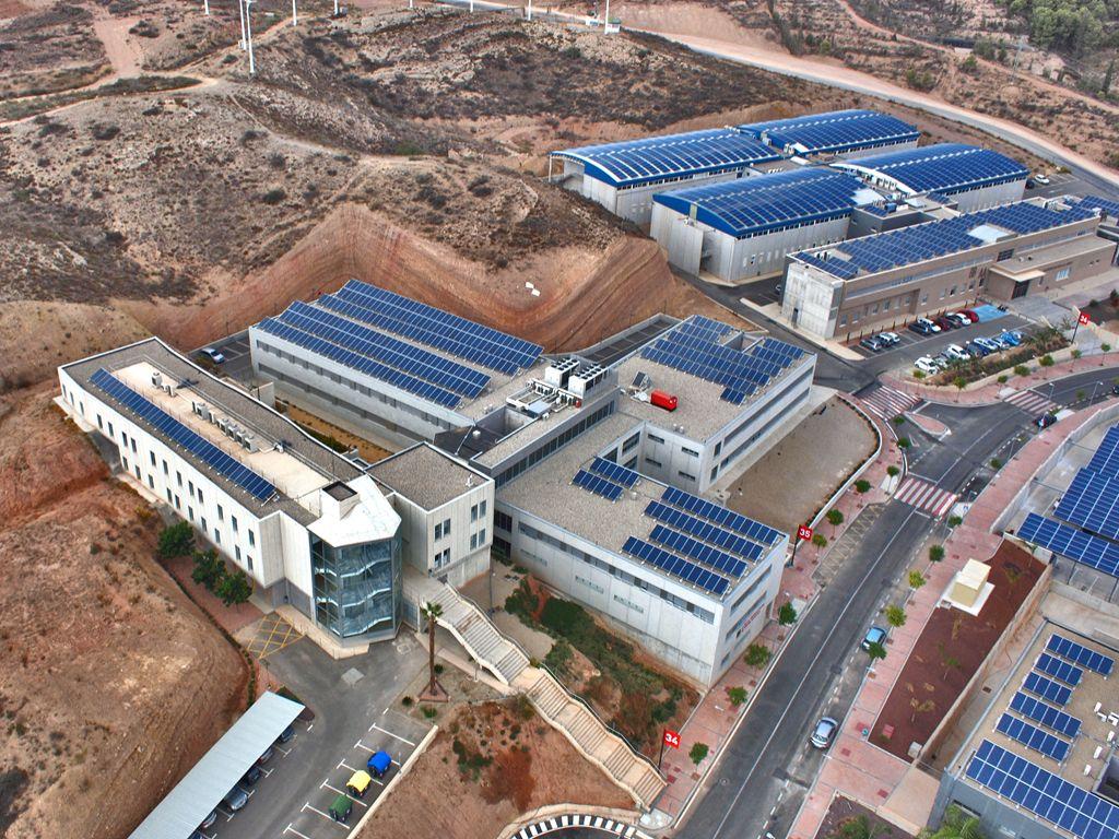 Structuralia la energ a fotovoltaica en edificios for Cubiertas acristaladas